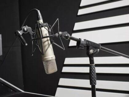 بهترین میکروفون استودیویی برای پادکست و استریم